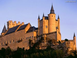 Alcazar-Castle-Segovia-Spain_opt